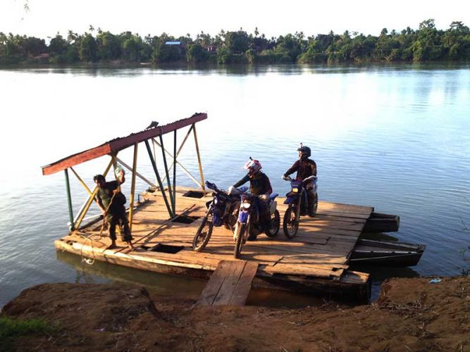 off-road-tours-cambodia-cambodian-ferry