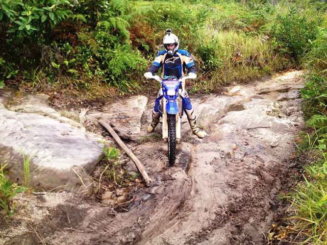 off-road-tours-cambodia-techy-climb