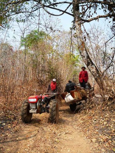 dirt-bike-tours-cambodia-remorque