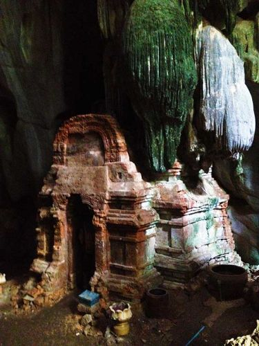 dirt-bike-tours-cambodia-temple-cave
