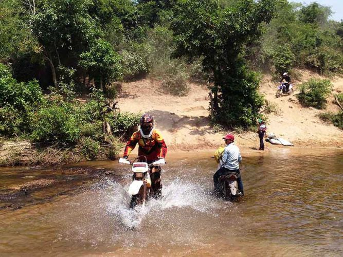 off-road tours cambodia kamlot river crossing