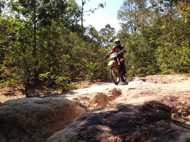 off-road-tours-cambodia-nr-phnombok
