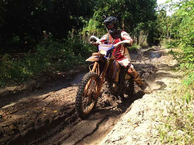 off-road-tours-cambodia-mudny-ruts