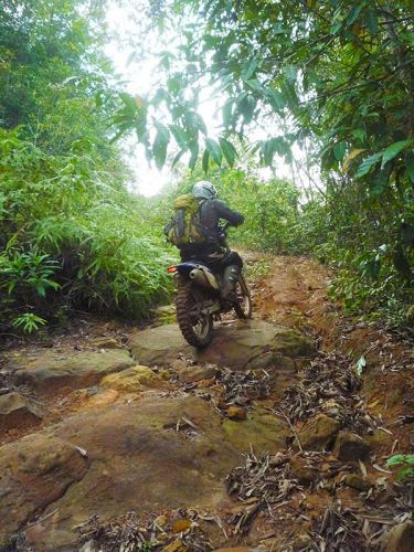 dirt-bike-tours-cambodia-hill-climb