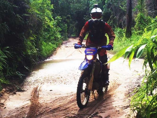 dirt-bike-tours-cambodia-kulen-puddle