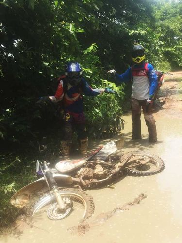 dirt-bike-tours-cambodia-elaine stephen