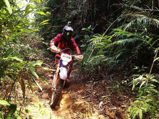 off-road tours cambodia hillclimb chipat