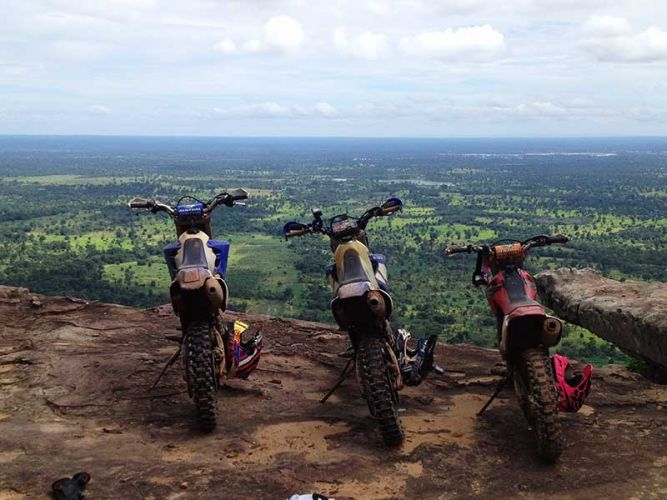 off-road-tours-cambodia-anlong-veng