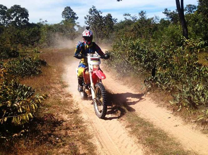 off-road-tours-cambodia-dual-sand