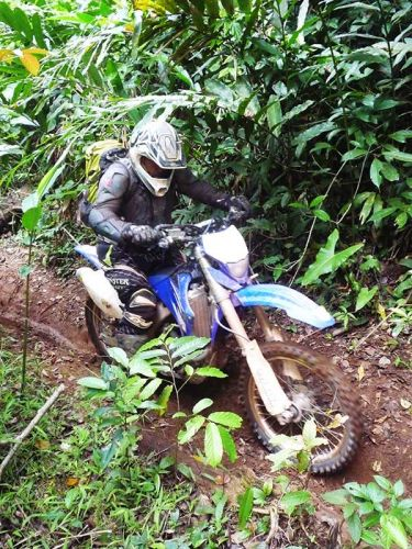 dirt-bike-tours-cambodia-hill