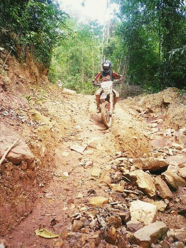 dirt-bike-tours-cambodia-koh-kong-rocky-trail
