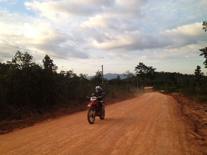 dirt-bike-tours-cambodia-red-dirt