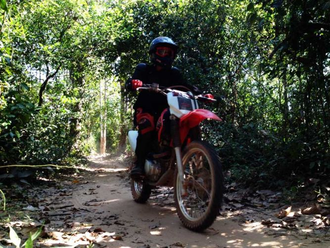 dirt-bike-tours-cambodia-asialife