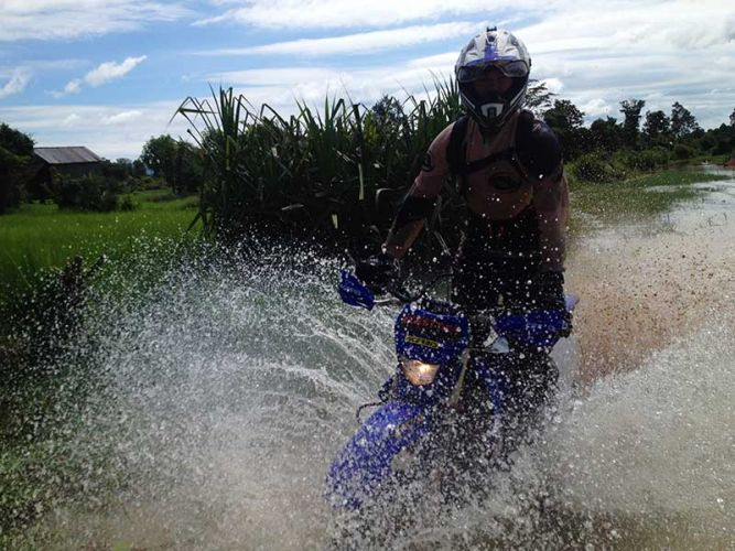 off-road-tours-cambodia-splash