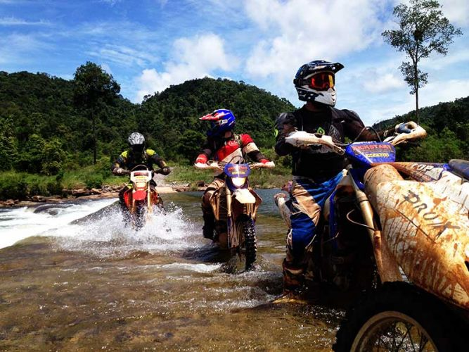 dirt-bike-tours-cambodia-fjord-koh-kong