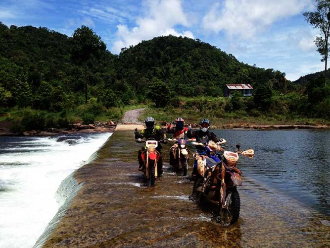 dirt-bike-tours-cambodia-fjord