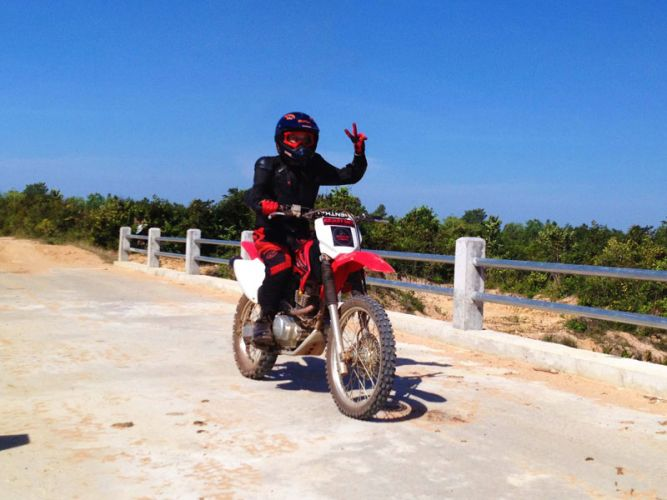 dirt-bike-tours-cambodia-asialife-1