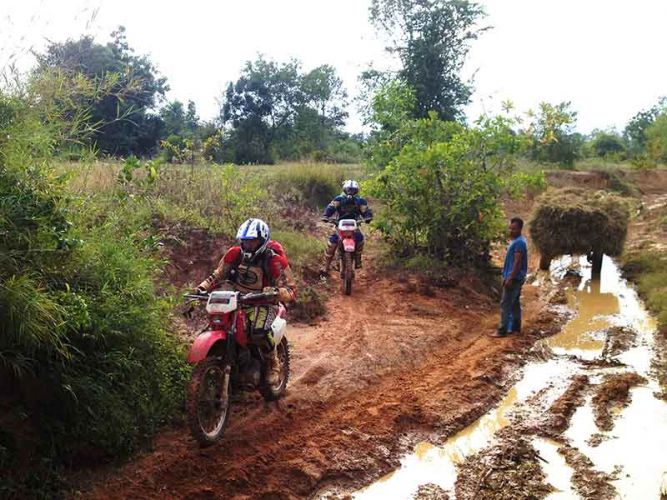 dirt-bike-tours-cambodia-mud-creek