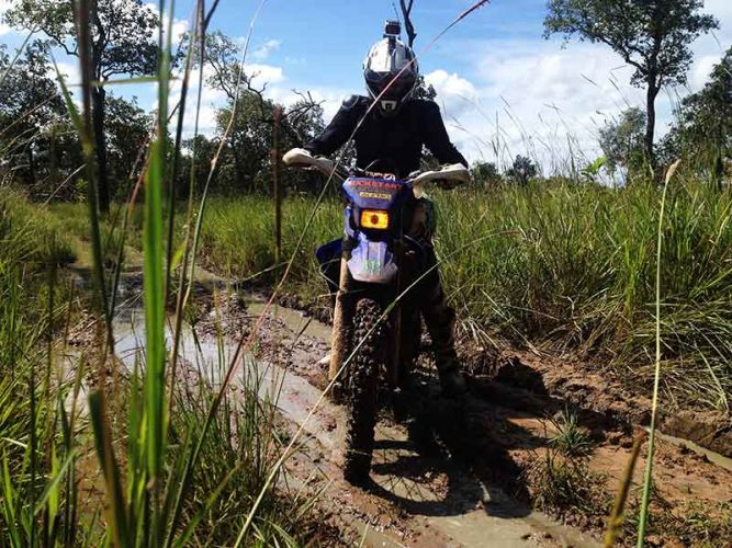 off-road-tours-cambodia-crossed-up