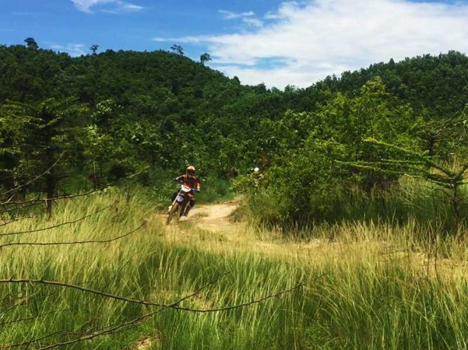 dirt-bike-tours-cambodia-mountains