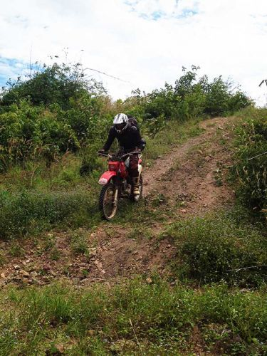 dirt-bike-tours-cambodia-downhill