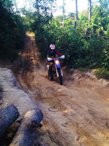 off-road-tours-cambodia-rutted-klimb
