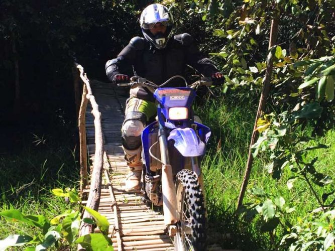dirt-bike-tours-cambodia-bridgesr